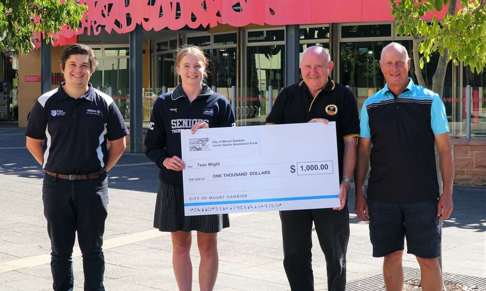 Mount Gambier Cycling Club Junior Tess Wight (second from left) was named the 2019 Junior Sports Assistance Fund (JSAF) Exceptional Junior. Tess is pictured with JSAF Committee Presiding Member Cr Christian Greco (left) and Commercial Club Inc. President Graham Dent and Secretary Phil Bliss (right).