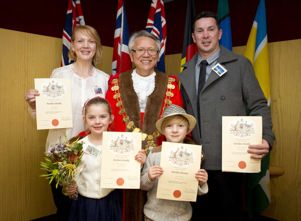 New Australian citizens Michelle Wright (left), Mayor Andrew Lee, Darryl Wright and twins Brogan and Taine Wright.