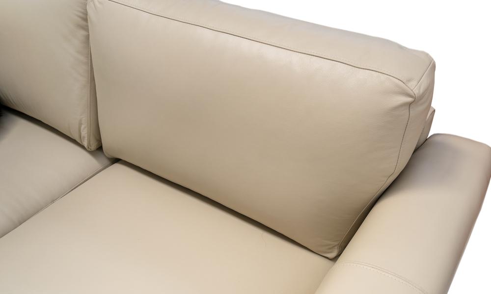 Putty   milano leather sofa closeup 2322   web