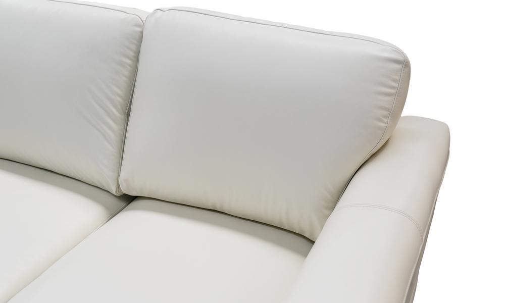 Cream   milano leather sofa closeup 2322   web