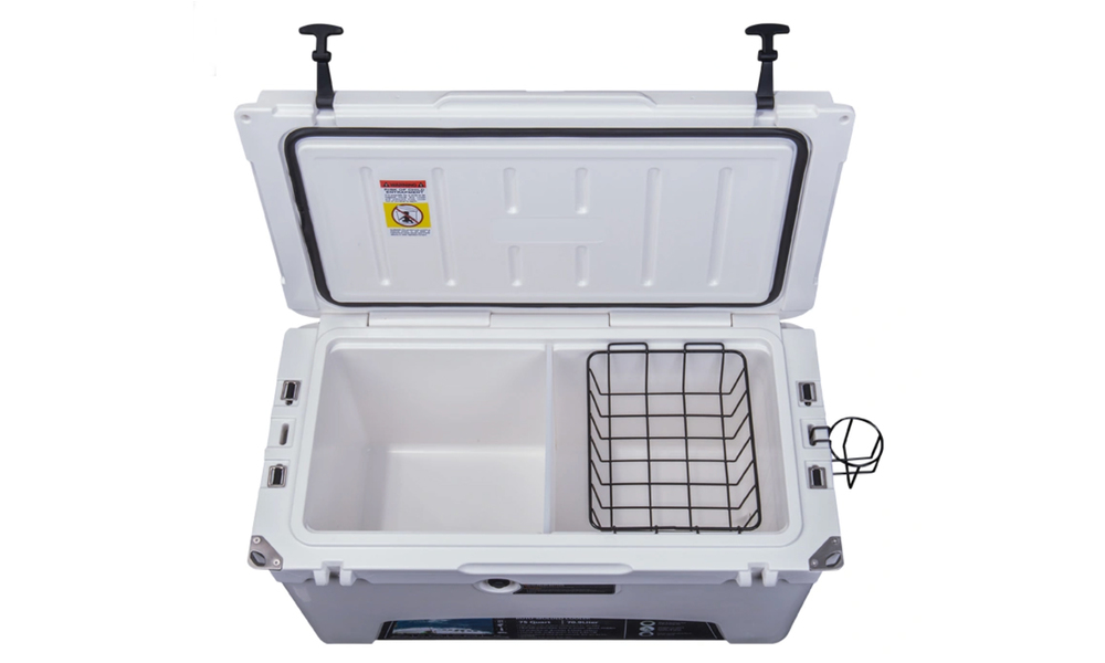Insulated cooler with wheels 2838   web4