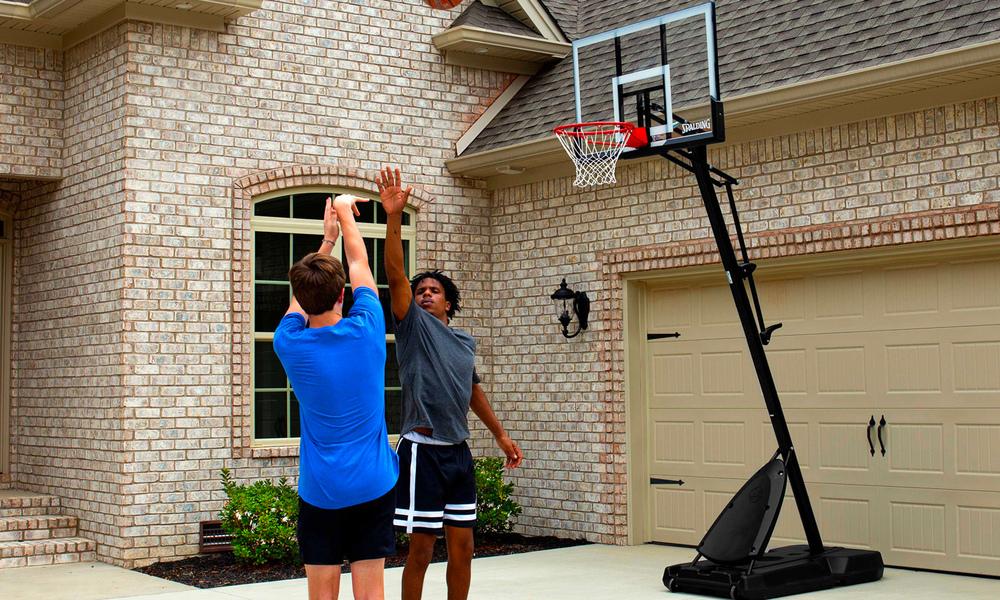 Spalding 54  polycarbonate portable basketball hoop 2863   web2