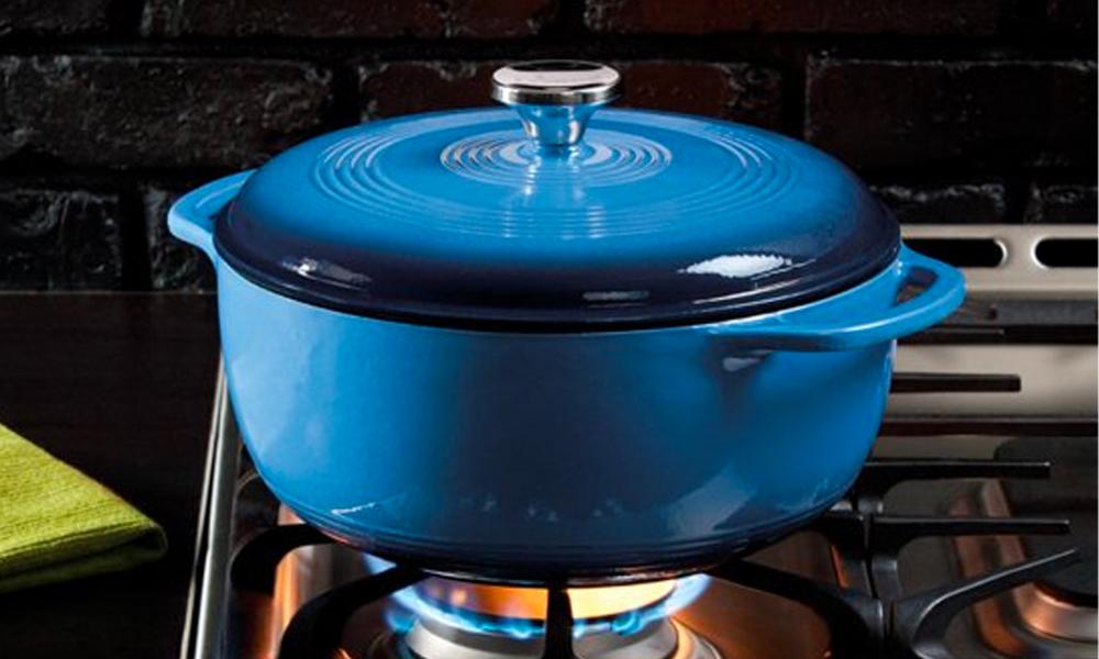 Blue lodge 6 quart enameled cast iron dutch oven 2864   web2