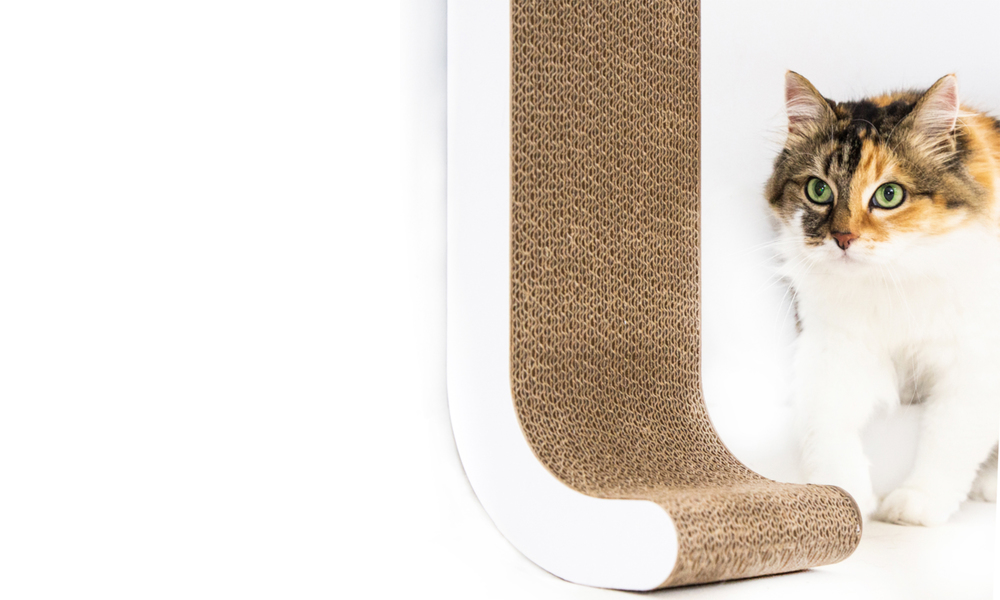 Modern pets wall mounted cat scratch pole 2935   web3