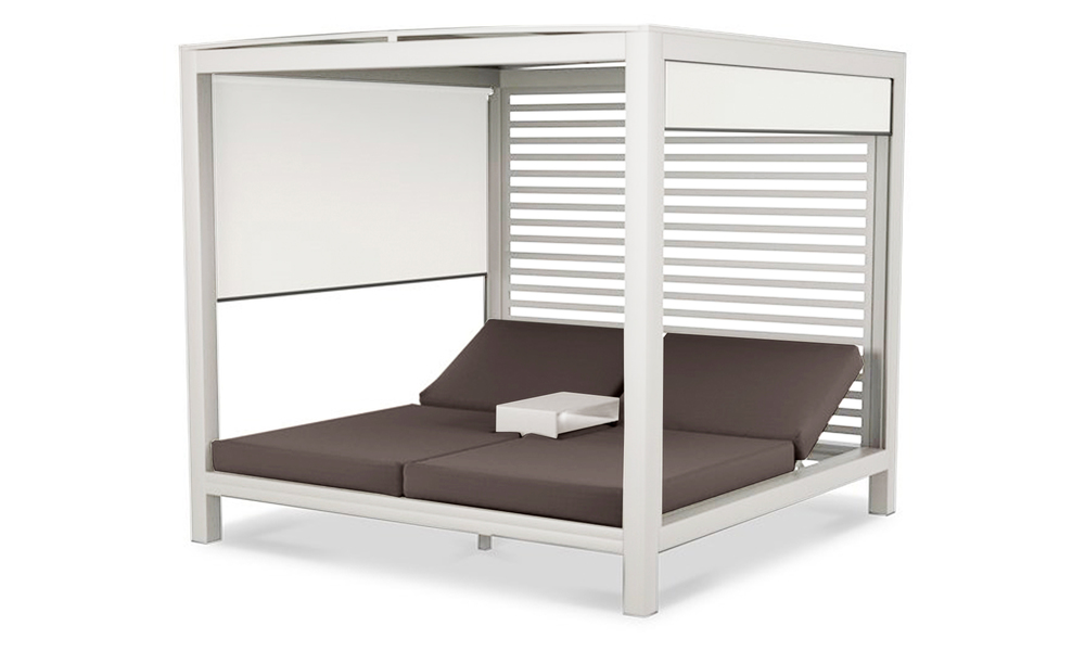 Lyon daybed   white frame wifera cushion 2911   web1