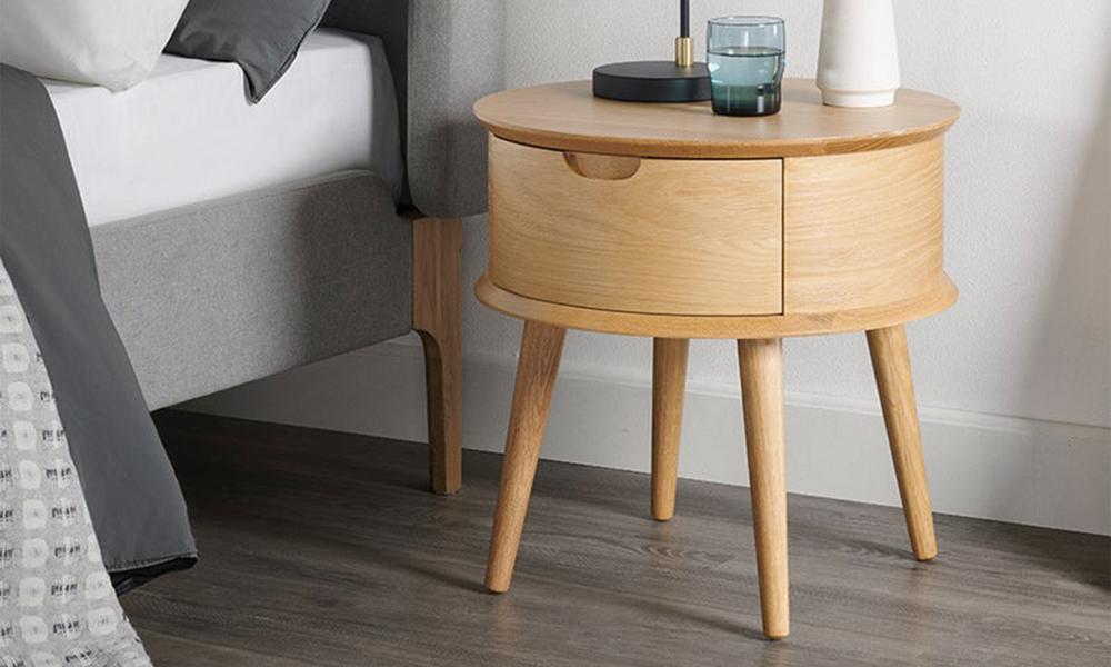 Mia oak curved bedside table 3021   web2