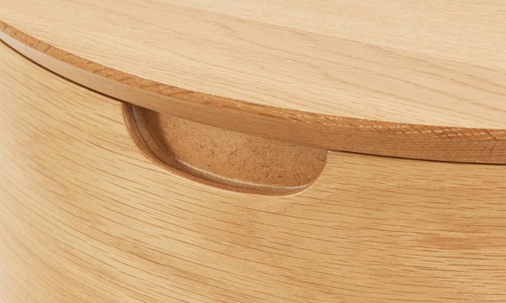 Mia oak curved bedside table 3021   web6