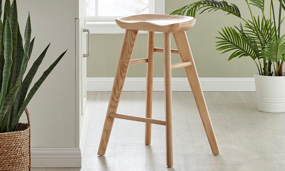 Natural saddle tractor kitchen bar stool   web1