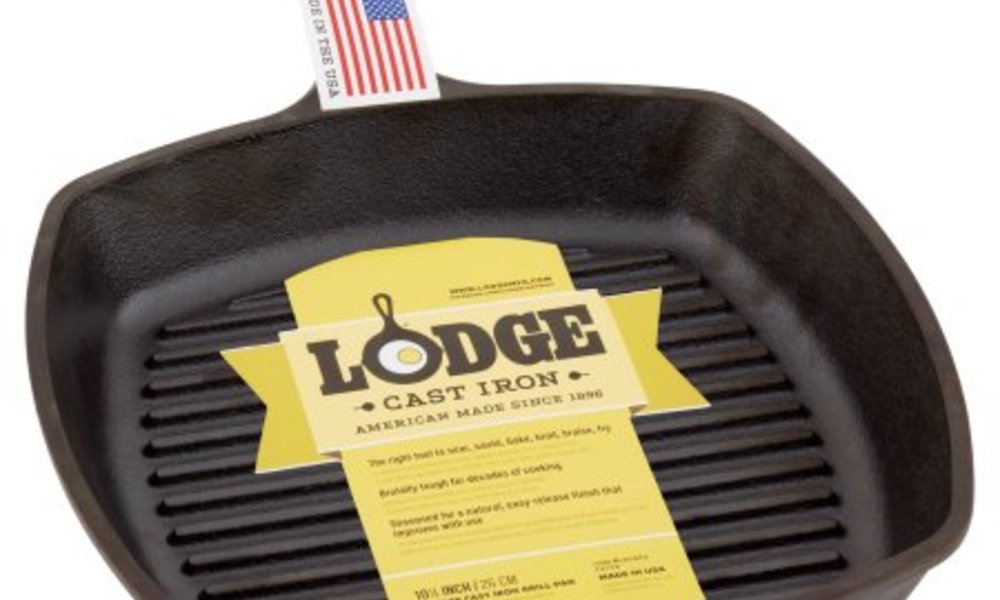 Lodge grill pan w logo and flag