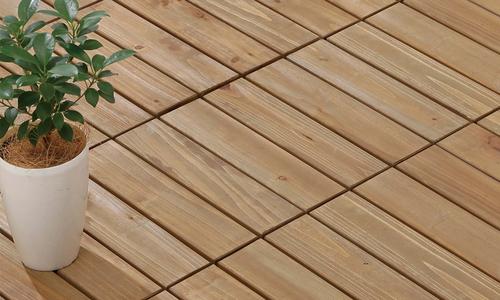 Wooden decking tile formatted