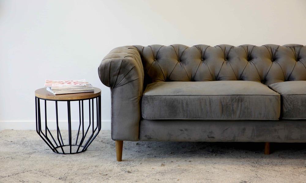 Velvet Button Sofa. Sleek And Contemporary. Au1a7875