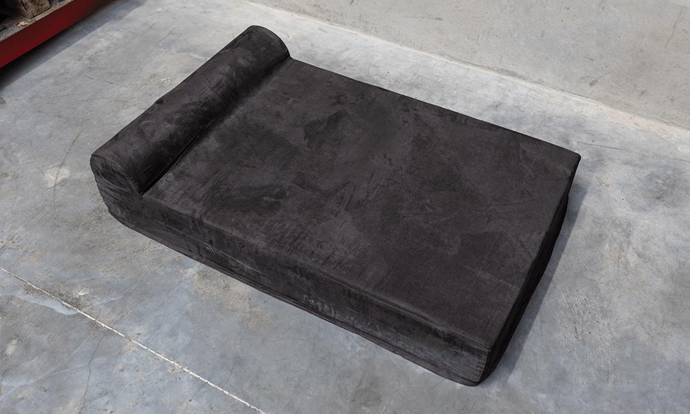 Supreme dog bed details 3