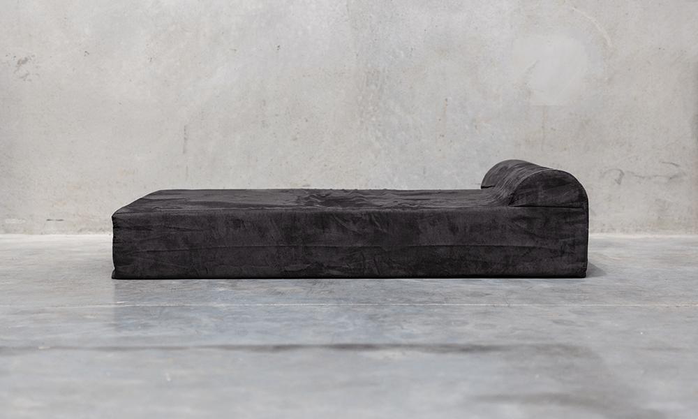 Supreme dog bed l bed 1