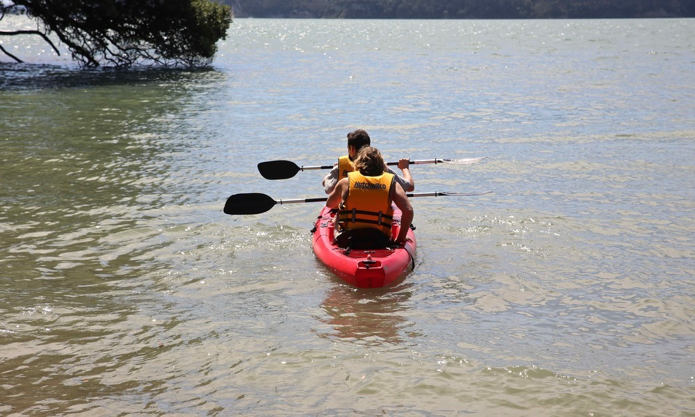 Kayak double in the water3