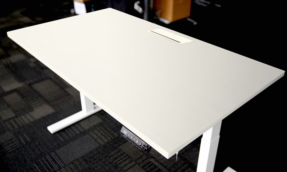 Electric sit stand desk web1