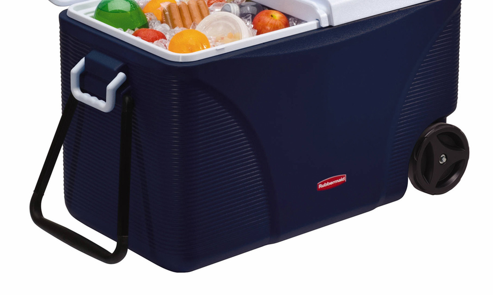 Rubbermaid 71l wheeled ice chest   web2