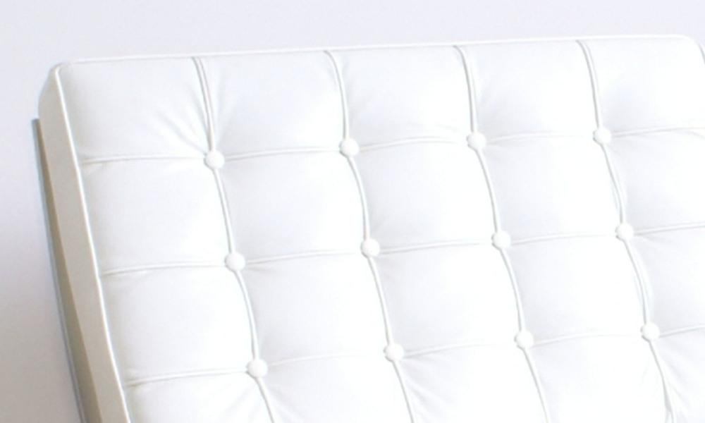 White replica barcelona chair   466  web5