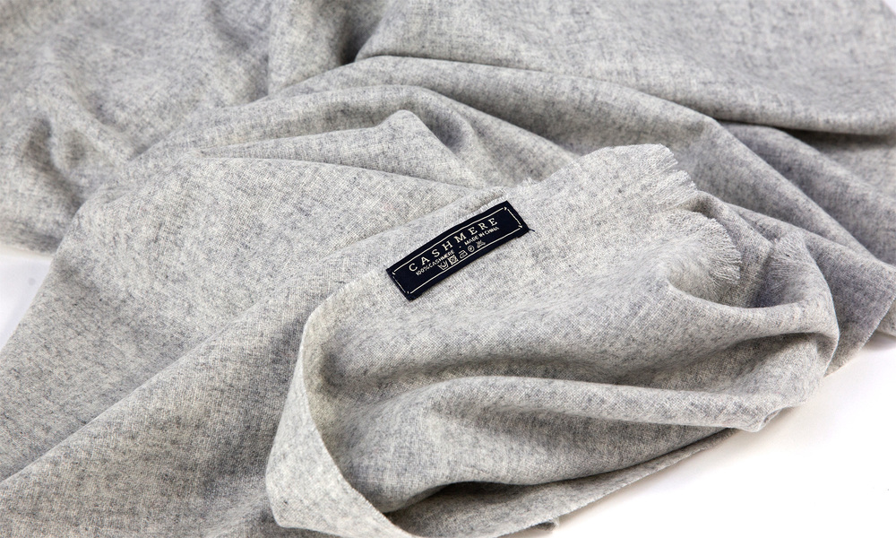 Grey   cashmere scarf   web3