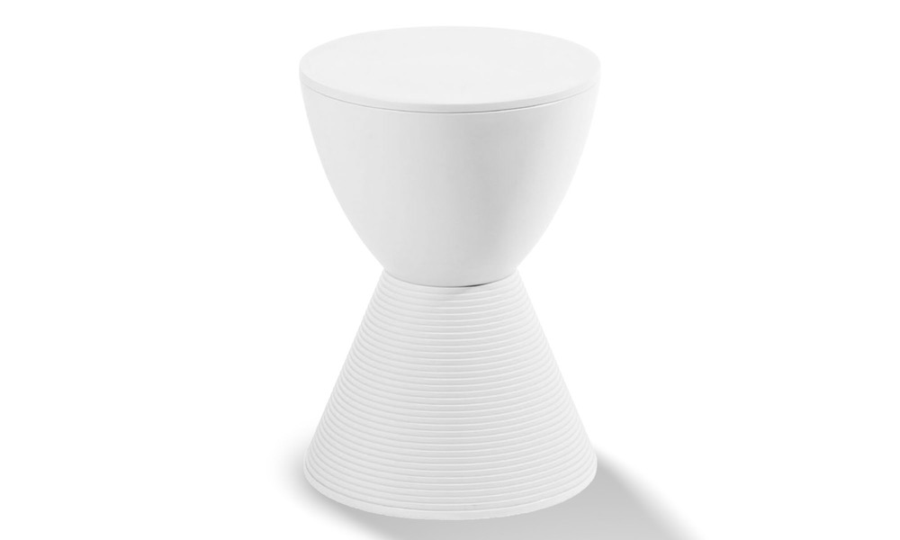 Recoloured   replica philippe starck prince aha stool   1160white   replica philippe starck prince aha stool   web1