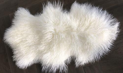 Cream   tibetan sheepskin rug   1319  web1