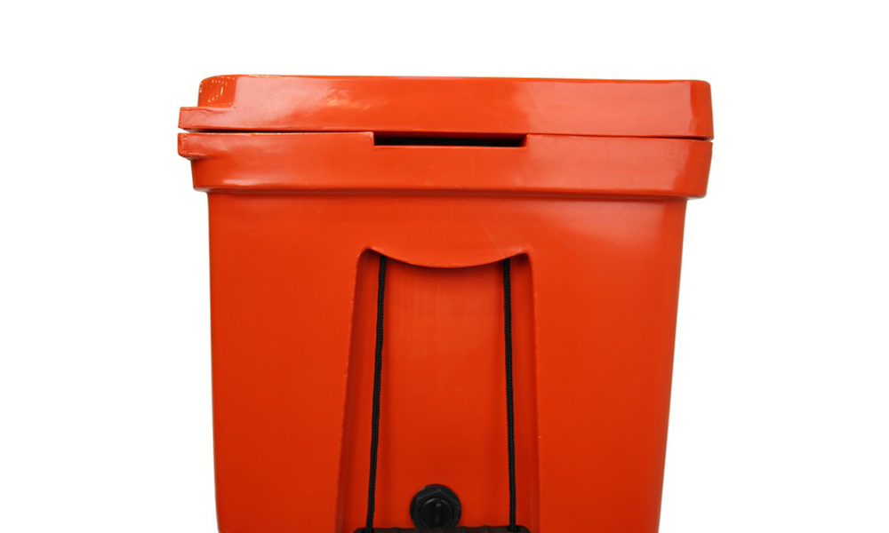 Tough insulated ice bin   web4