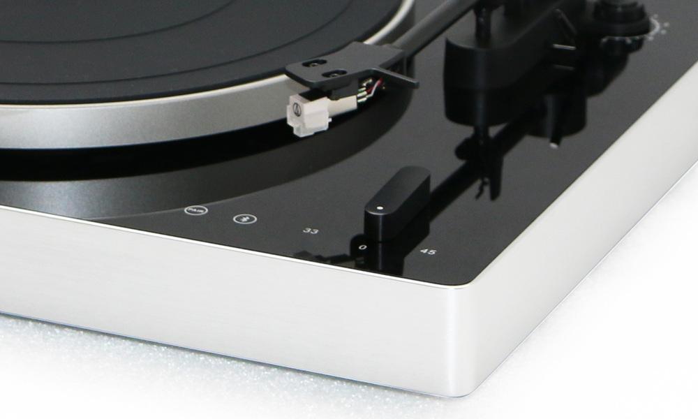 Phonograph turntable   web2
