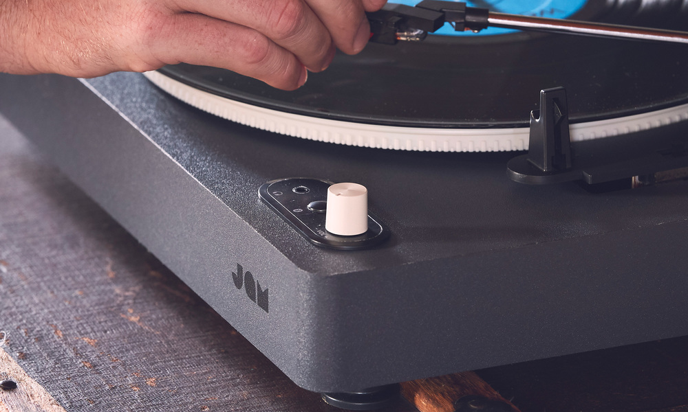 Jam spun out bluetooth turntable   web7