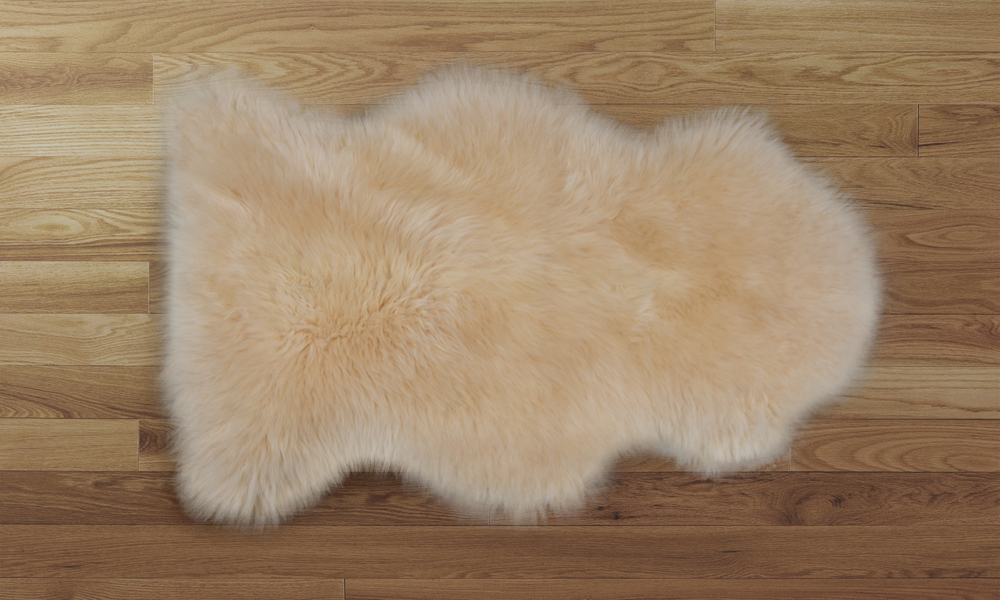 Sheepskin rug honey   web4