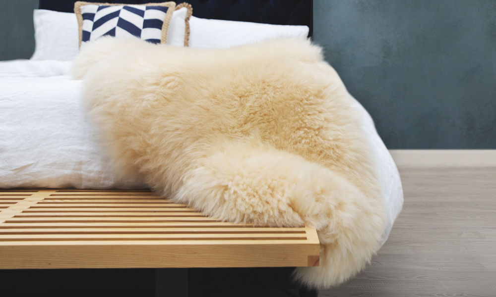 Sheepskin rug honey web3