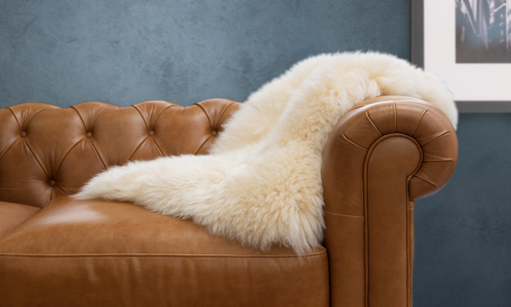 Sheepskin rug honey web1