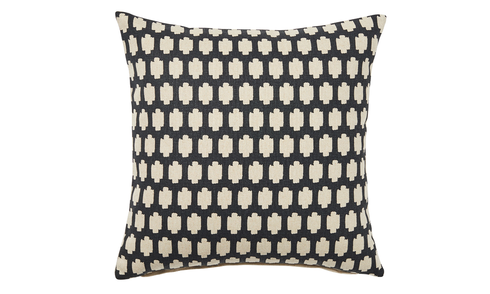 Madi cushion 2309   web1
