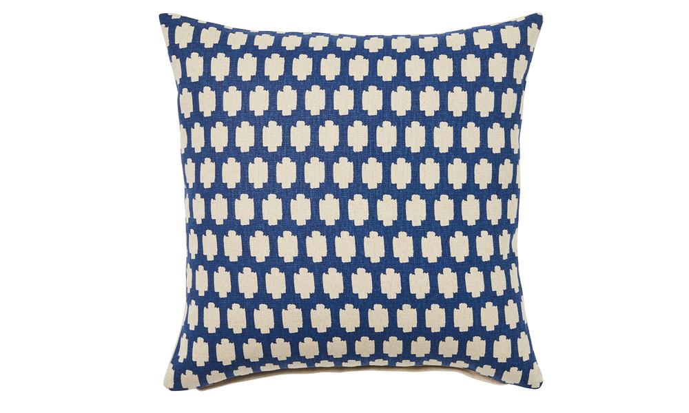 Madi printed linen cushion 2402   web1 %283%29