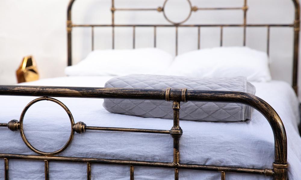 Deco bed frame   web4