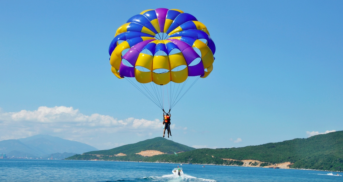 parasail-over-water-behind-boat