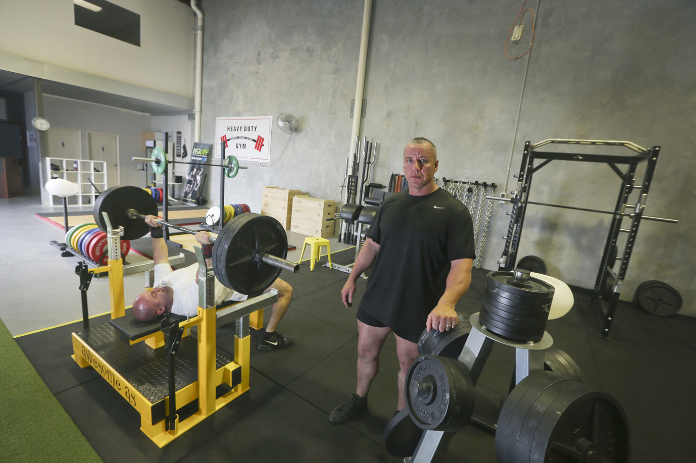 Dan Bianca with Heavy Duty Gym owner Arron Cullimore. d434739