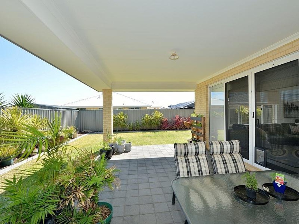 South Yunderup, 23 Placid Bend – $499,000