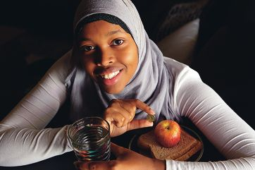 Umulkhayr Hassan (19) intends to live for a week on two dollars a day.