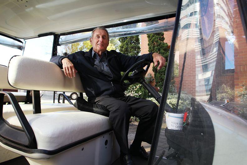Bert O'Neil in his buggy. d402720