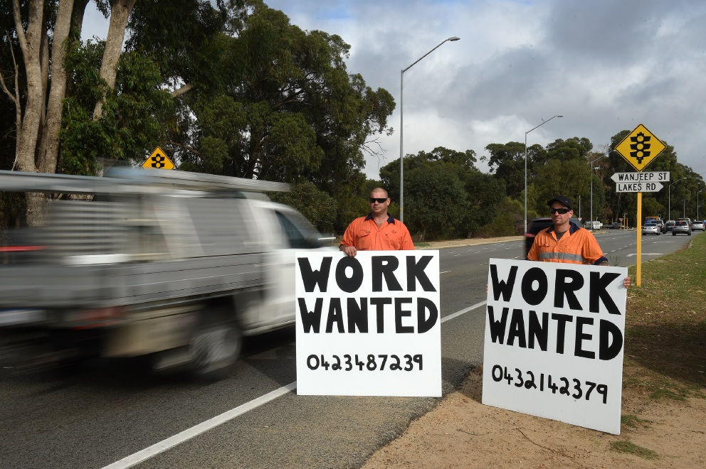 Desperate: Mark Tipper and Anton Cook are looking for jobs. Picture: Jon Hewson         www.communitypix.com.au   d452851