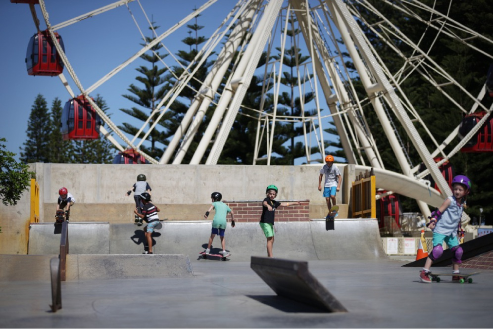 A group of Yanchep residents are petitioning the City of Wanneroo for a skate park similar to the youth plaza in Fremantle.        d431432