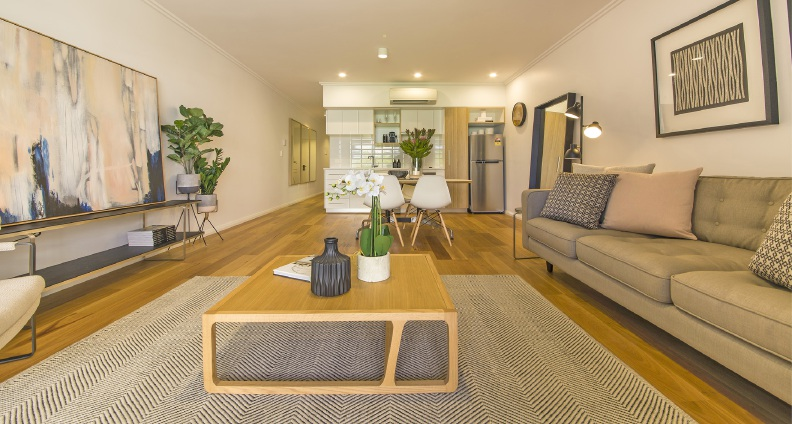 Move up in historic Bassendean