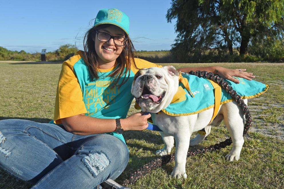Emily Tripp with her dog Bronco. Picture: Jon Hewson www.communitypix.com.au   d451845