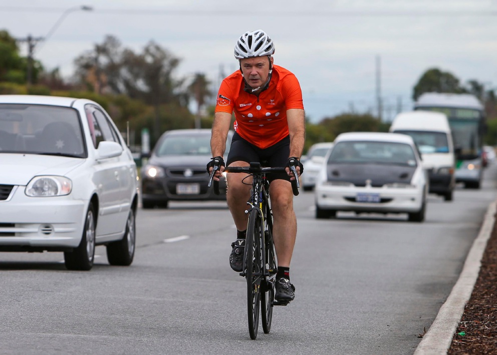 Gosnells MLA Chris Tallentire supports the introduction of the |one-metre rule to protect cyclists.