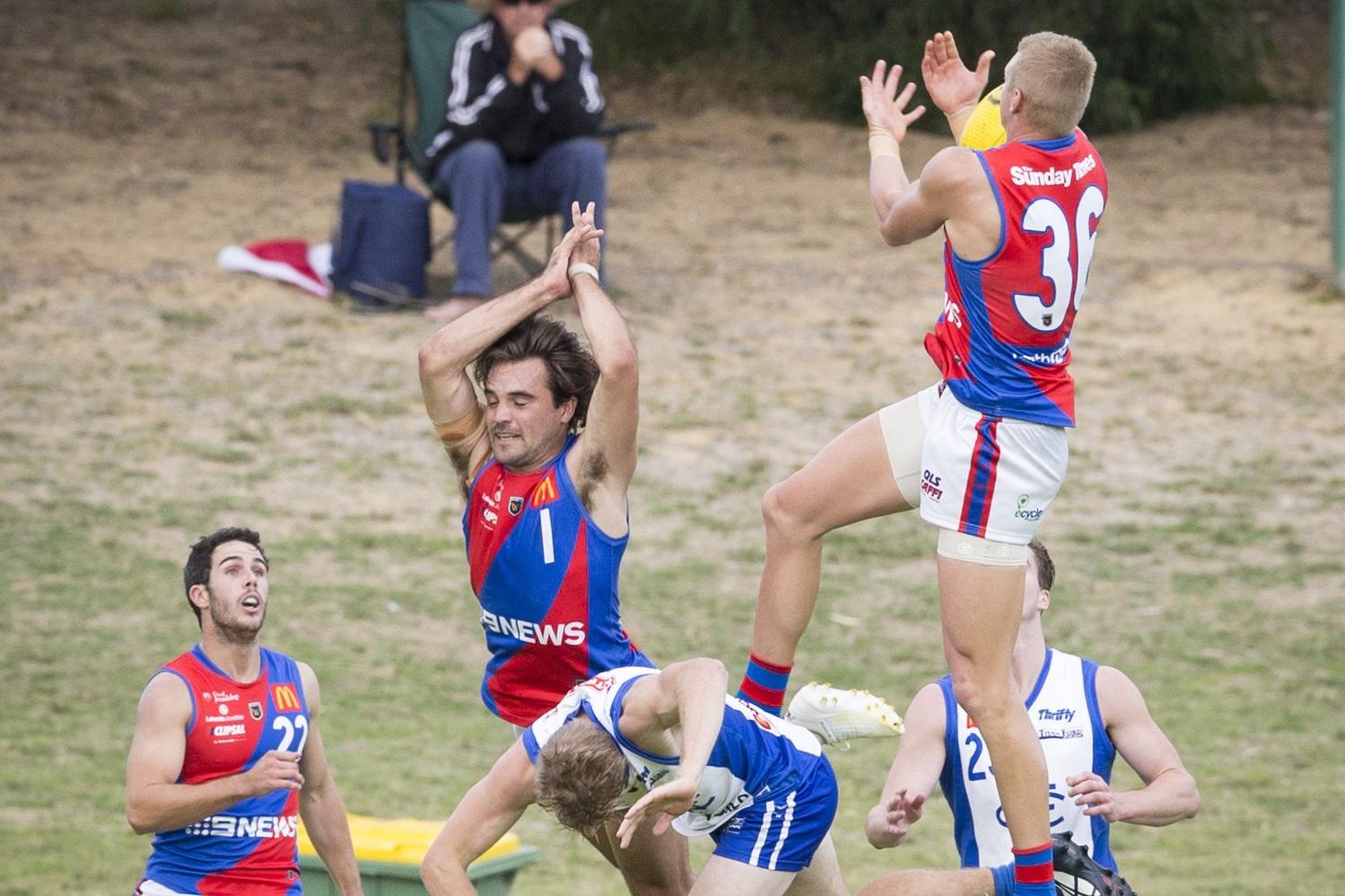 Mark Hamilton marks for West Perth. Picture: Dan White