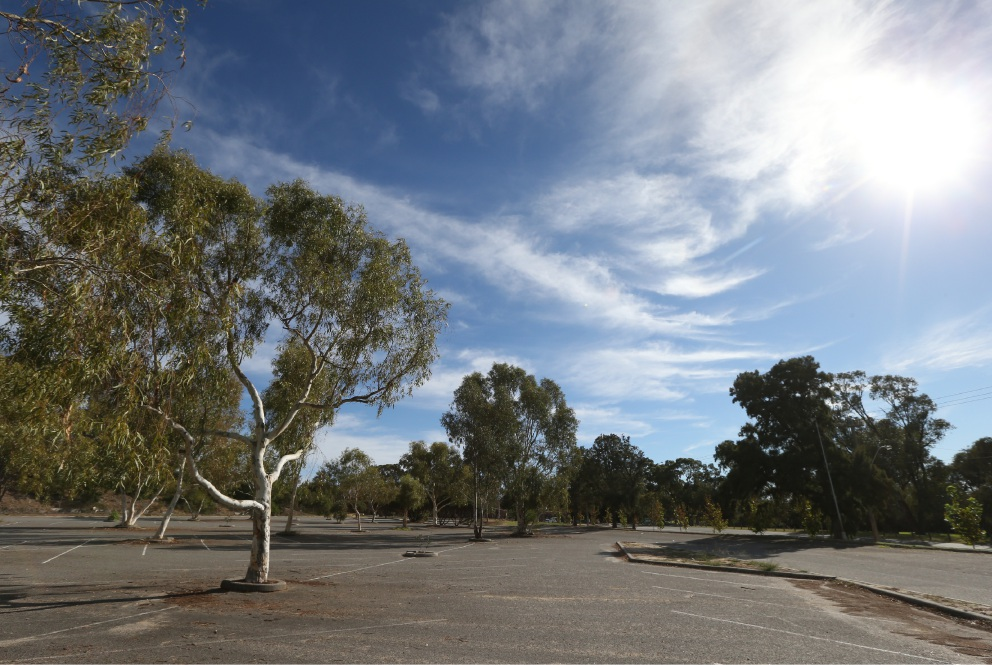 The carpark at Adventure World in Bibra Lake is set to be upgraded.       d453134