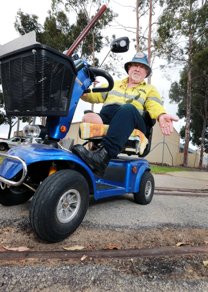 Pat Ward says bumpy paths in Midland make riding his gopher a |nightmare.  Picture: David Baylis www.communitypix.com.au   d451263