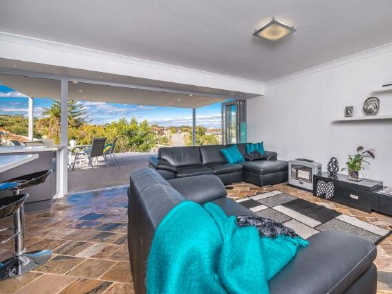 Quinns Rocks, 12 View Terrace – $739,000-$760,000