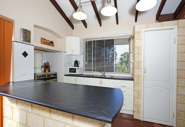 Coodanup, 6 Eddy Street – $275,000