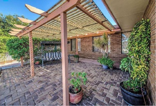 Heathridge, 2 Idyll Court – $469,000