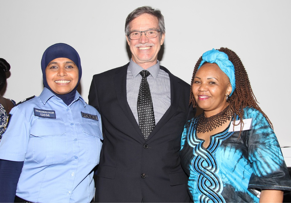 Citizenship and Multicultural Interests Minister Mike Nahan with Achievement Award recipients Zainon (Zen) Mohamad Kassim (WA Police) and Eva Mwakichako (City of Stirling).